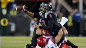 Social Game: Arizona bears down on Oregon