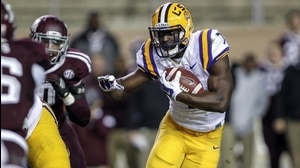 Social Game: Fournette rushes past Aggies