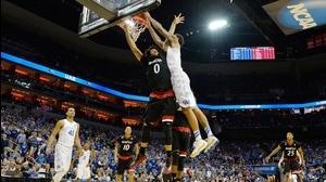 Best dunks from Saturday's Third Round action