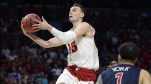 Elite Eight: Wisconsin shoots down Zona