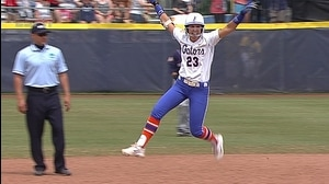 WCWS: Florida walks off into championship series