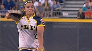 WCWS: Michigan forces game three