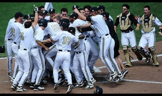 College World Series: Vanderbilt smacks walk-off homer