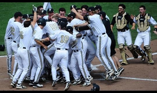 College World Series: Vanderbilt smacks walk-off homer