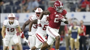 Hand Him The... Alabama's Derrick Henry