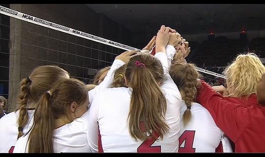 2015 DI Women's Volleyball: Nebraska beats Washington