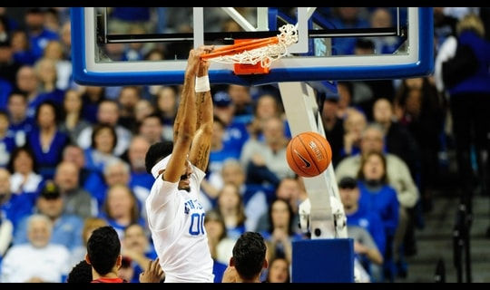 Men's Basketball: Kentucky blows by Mississippi