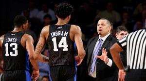 Men's Basketball: Stewart Cink shows skills in Social Rewind