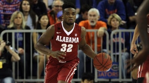 Men's Basketball: Alabama defeats Florida 61-55