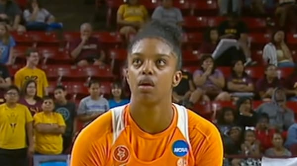 Women's Basketball: Tennessee advances to the Sweet Sixteen