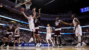 Sweet 16: Oklahoma tops Texas A&M
