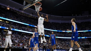 Best Dunks from Thursday's Sweet 16