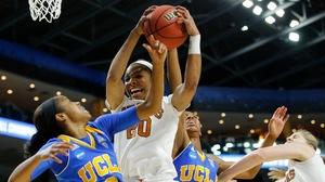 Women's Basketball: Texas advances to the Elite Eight