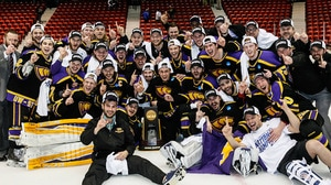 Wisconsin-Stevens Point wins the 2016 DIII Men's Ice Hockey Championship