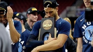 Elite Eight: Villanova upsets Kansas
