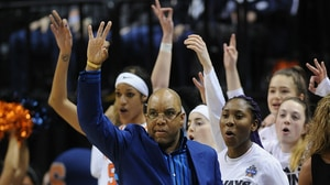 Women's Basketball: Syracuse defeats Washington at the Final Four