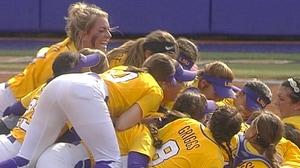 DI Softball: LSU advances to the College World Series