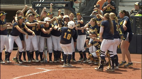 DI Softball: Michigan advances to WCWS