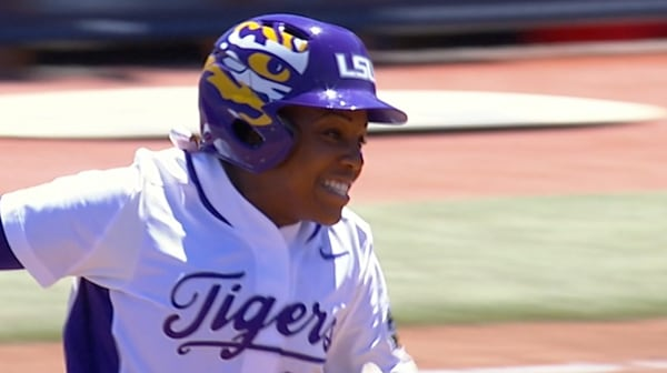 WCWS: LSU knocks out Georgia