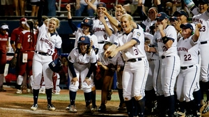Top 10 Plays of the Women's College World Series