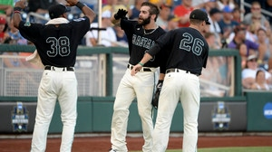 CWS: Coastal Carolina clinches first CWS win over Florida