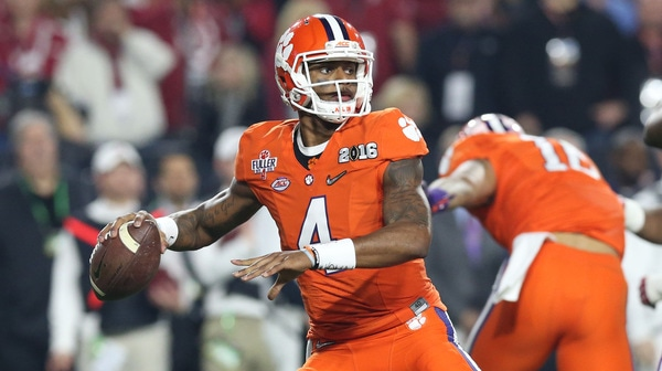 College Football: 5 best quarterbacks of 2016