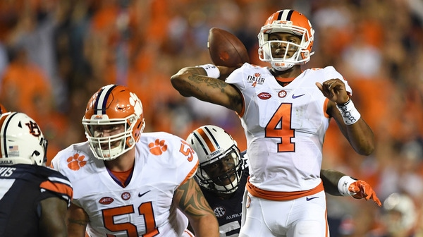 College Football: Clemson inches past Auburn | Social Game