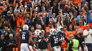 College Football: Auburn defeats Vanderbilt 23-16