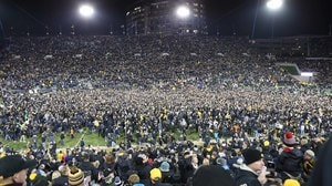 College Football: Military tributes and three top-five upsets in this week's Social Rewind