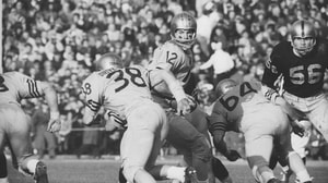 'College Football: Memorable Army-Navy Games | High Five' from the web at 'http://i.turner.ncaa.com/ncaa/big/2016/12/06/1009670/1481049219134-Staubach_1920.jpg-1009670.300x168.jpg'
