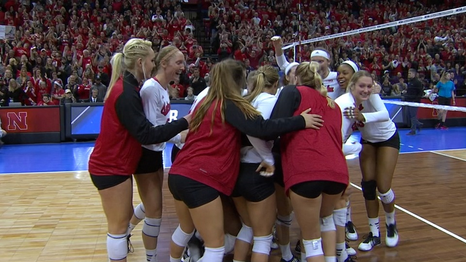 DI Women's Volleyball: Nebraska defeats Washington 3-0