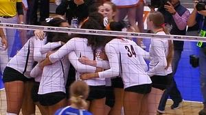 2016 DI Women's Volleyball: Texas sweeps Creighton