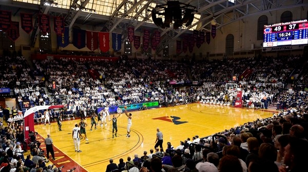 College Basketball: Basketball cathedrals welcome ranked teams in this week's Social Rewind