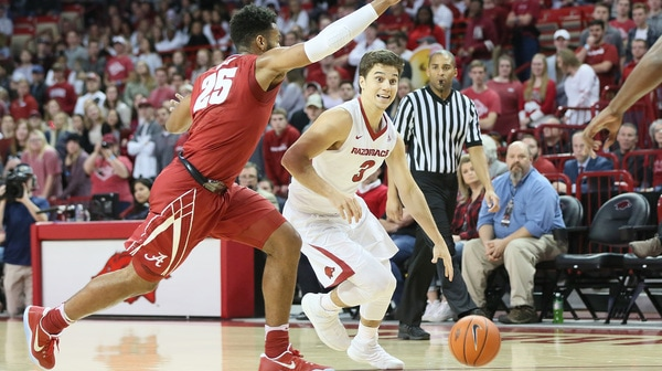 DI Men's Basketball: Arkansas dominates Alabama