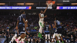 'Second Round: Oregon advances to the Sweet 16' from the web at 'http://i.turner.ncaa.com/ncaa/big/2017/03/20/1305633/1489976291717-mbk-311-oregon-1920.jpg-1305633.300x168.jpg'