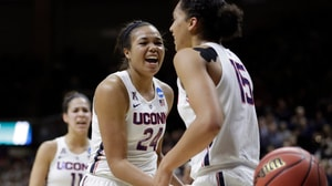 Women's Basketball: UConn rolls Syracuse
