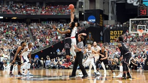 'Final Four: Gonzaga defeats South Carolina' from the web at 'http://i.turner.ncaa.com/ncaa/big/2017/04/02/1338855/1491094755661-mbk-603-gonzaga-1920.jpg-1338855.300x168.jpg'