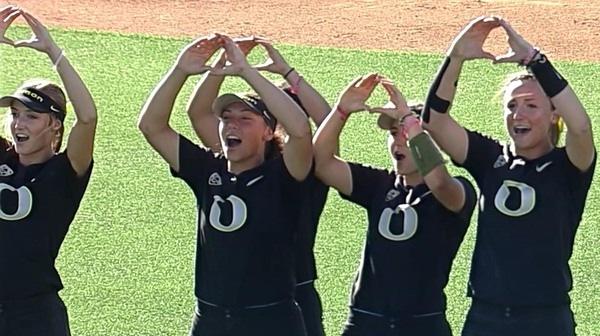 DI Softball: Oregon dominates Kentucky