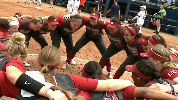 DI Softball: Sooners advance to defend title