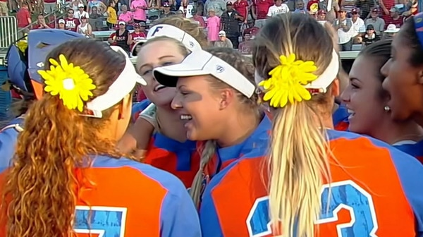 DI Softball: Florida advances to WCWS