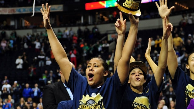 2014 Women's Basketball Championship: UConn cruises