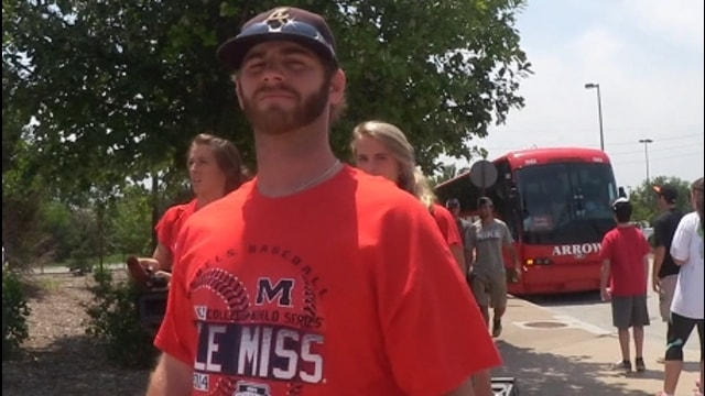 All Access: Ole Miss takes a trip to the zoo