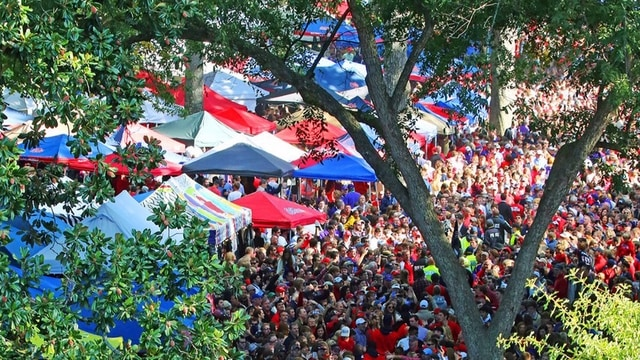Traditions: Ole Miss' Grove