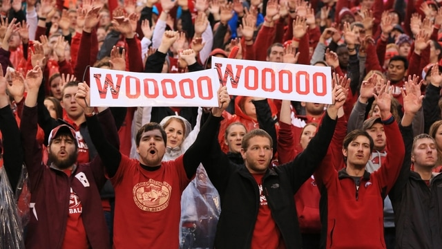 Traditions: Arkansas' Calling the Hogs
