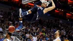Best Dunks from Saturday's Elite Eight