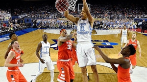 Best Dunks from Saturday's Final Four