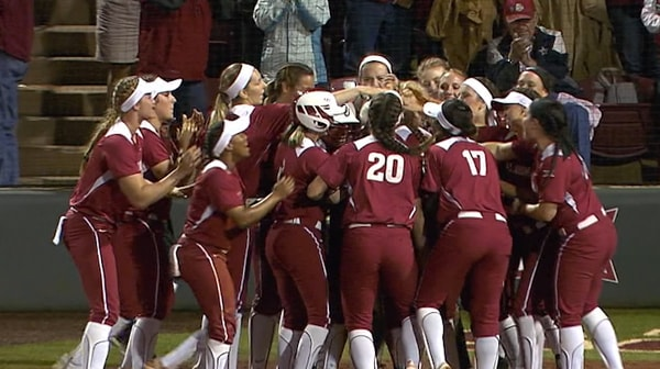 DI Softball: Oklahoma wins Super Regional