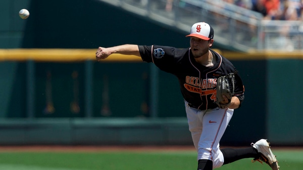 CWS: Oklahoma State defeats UCSB
