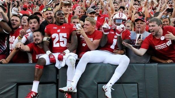 College Football: Famous fans headline Week One's Social Rewind