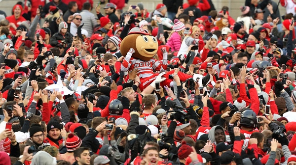 College Football: Rivalry Week headlines this week's Social Rewind